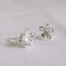 Stunning Handmade Sterling Silver 925 Flower Floral Stud Earrings